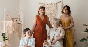 Cramet Da esquerda para a direita, Diana, a mãe Emília, a avó Zulmira e Solange pme magazine macramé
