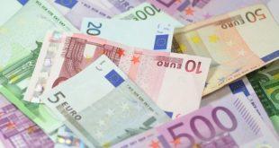dinheiro euro dívida das empresas economia