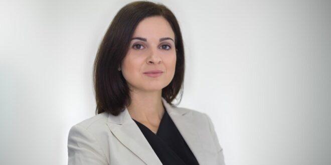 Cassiana Tavares
