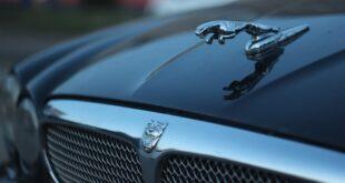 Jaguar Land Rover combate pandemia