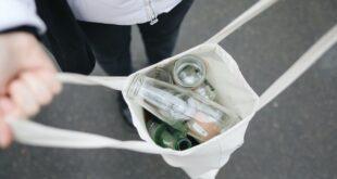 Re-Source reciclagem ambiente responsabilidade social garrafas de vidro