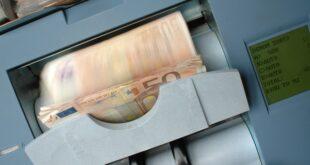 incentivos fiscais SFIDE empresas dinheiro notas