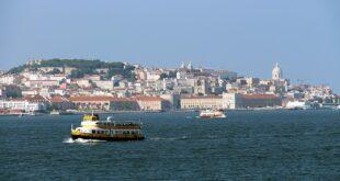 Transtejo Soflusa barcos ligações fluviais Lisboa Margem Sul